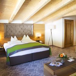 Doppelzimmer im 4 Sterne Hotel Lanersbacher Hof